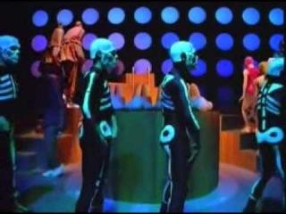 Musicless Musicvideo / Daft Punk - Around The World