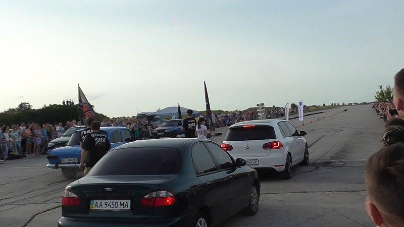 VW Golf 6 VS Moskvich 412 Turbo Drag Race by Indigo RC