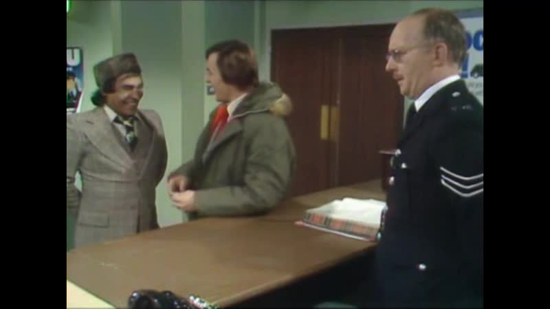 Mind Your Language.S01E05.The Best Things in Life.mp4