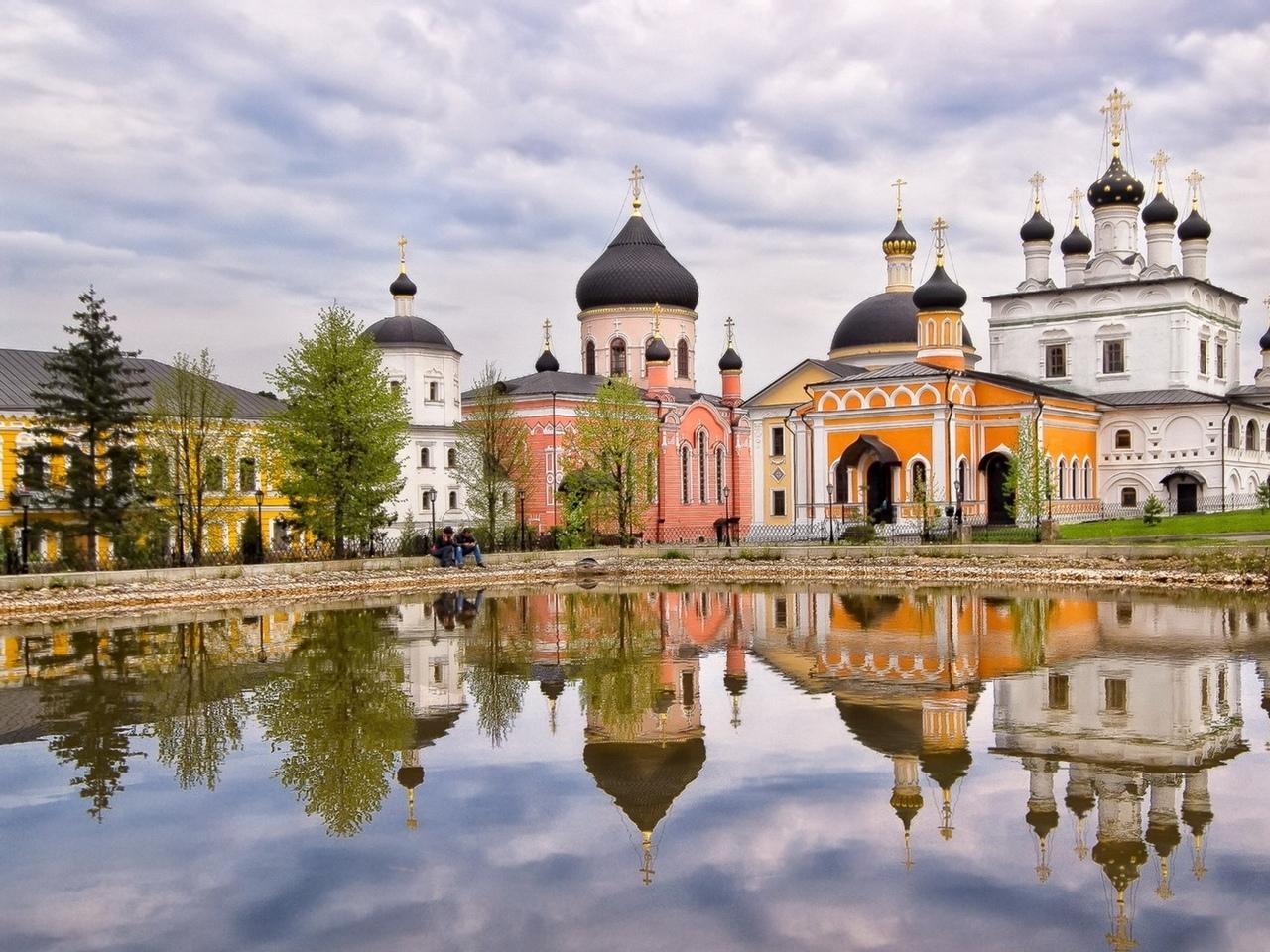 Wk_QwZKIY2M Давидова пустынь монастырь в Подмосковье.