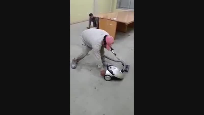 How to start a vacuum cleaner
