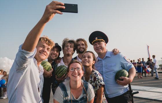Видео к фильму Крымский мост Сделано с любовью 2018 Трейлер