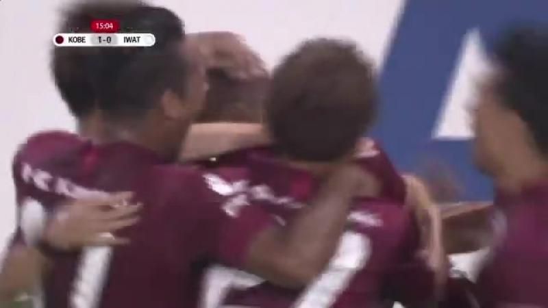 Андрес Иньеста и его первый гол против Джубило Ивата