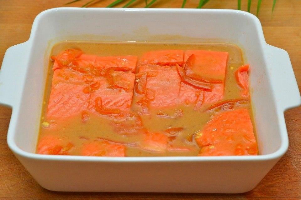 Лосось с апельсиновым джемом Ингредиенты: Лосось 500 г; Апельсин 1