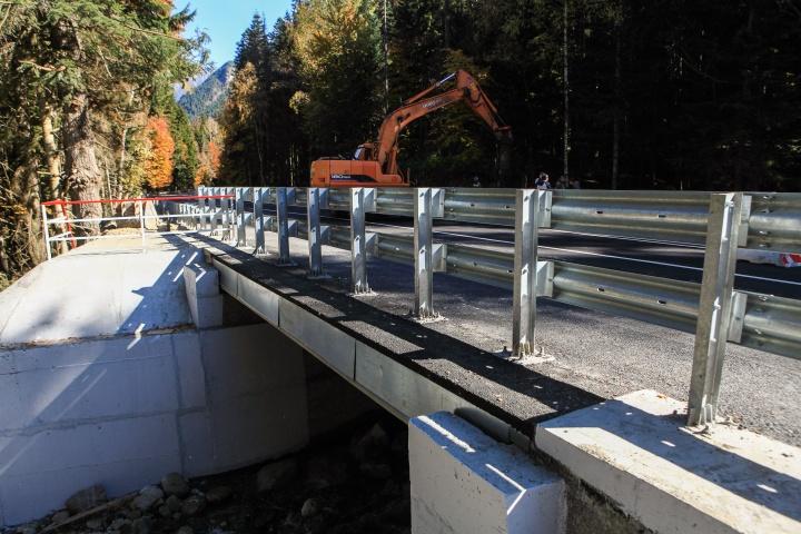 В КЧР отремонтировали мост на трассе Черкесск-Домбай