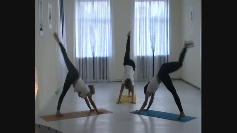 29.09.2012г. Открытие нашей студии йоги. Показательное выступление.