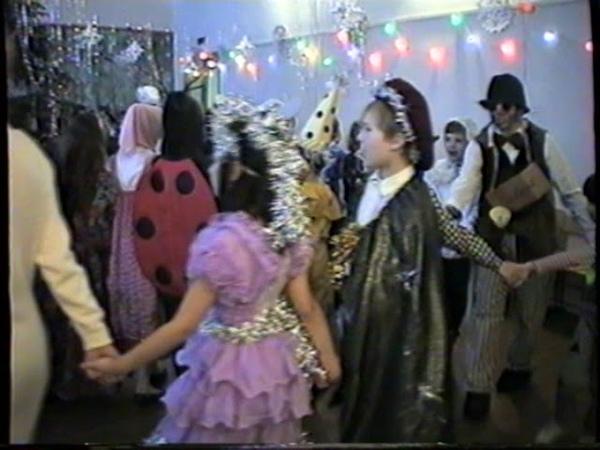Новый год. 3А, 3Б, 3В школы №1(1999) 006
