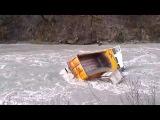 Новые ДТП и Аварии на грузовиках  Маз сдавал назад и оказался в реке