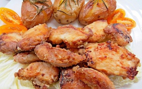 хрустящая курица в маринаде очень вкусная курочка, с хрустящей корочкой! ингредиенты: ● филе куриное (400-700г) — 600 г ● мед (для маринада) — 1 ст. л. ● горчица (для маринада) — 1 ст. л. ●