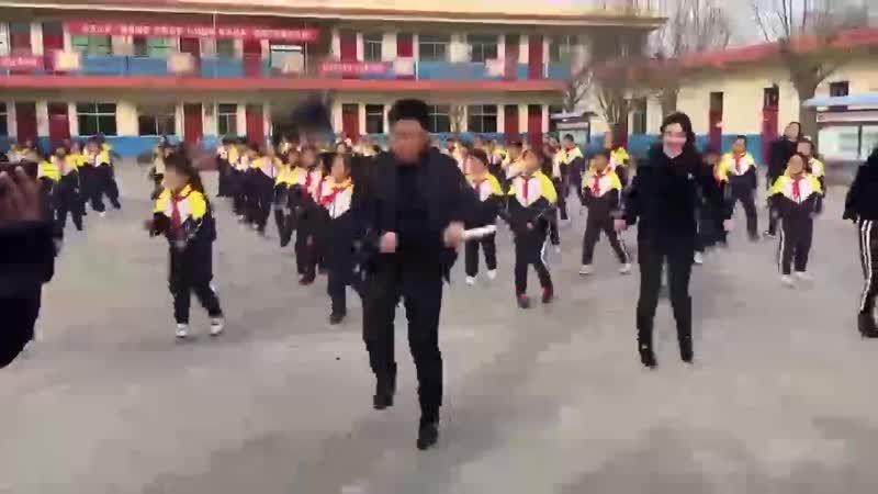 разминка утром в китайских школах