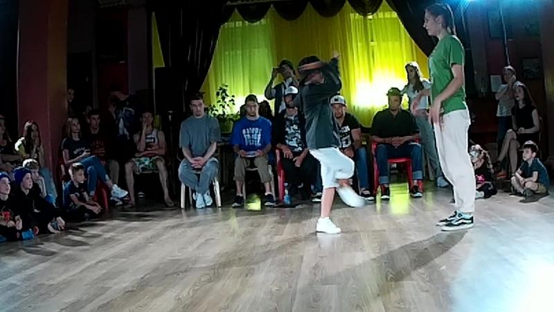 1/4 Hip-Hop Pro Мама Рома vs Айфон Патрон