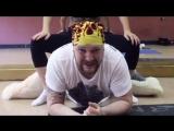Мужская растяжка в студии танца и фитнеса Bionika