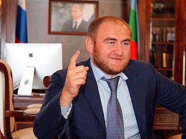 Рауф Арашуков лишен неприкосновенности и арестован