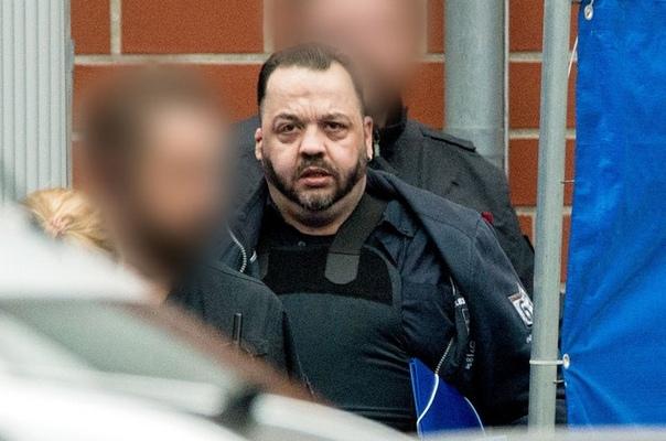 30 октября в Германии 41-летний Нилс Хегель (Niels Högel), бывший медбрат, сознался в убийстве 100 человек. Он стал самым кровавым серийным убийцей в стране со времен Второй мировой войны.