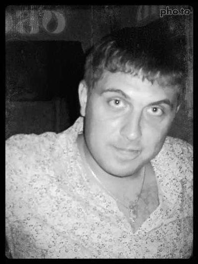 Артур Мельник, 12 апреля 1984, Когалым, id193107576