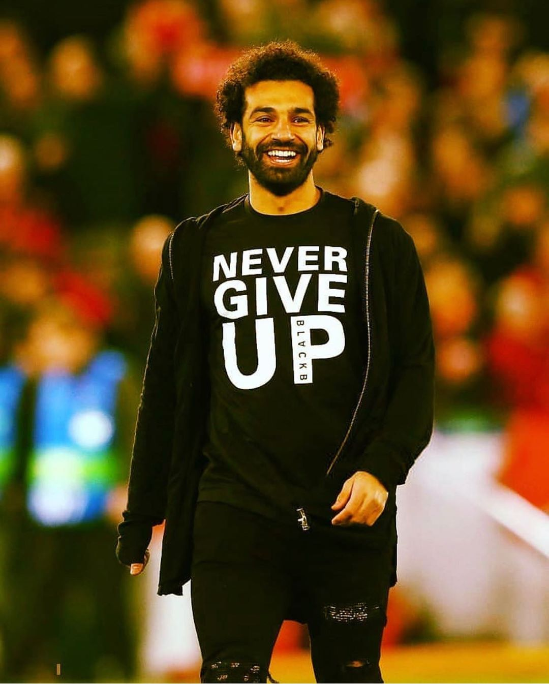 salah-v-futbolke-never-give-up