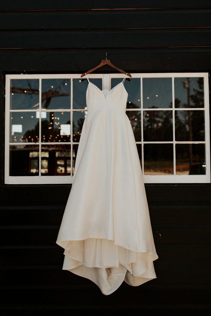 платье на свадьбу 2019