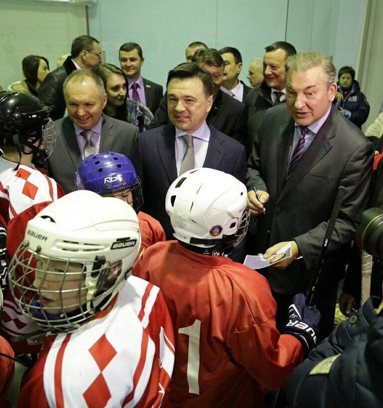 С днем рождения, дорогой Владислав Александрович! Желаю крепкого здоровья, энергии и сил для развития нашего хоккея, удачи в парламентской работе и во всех добрых делах!