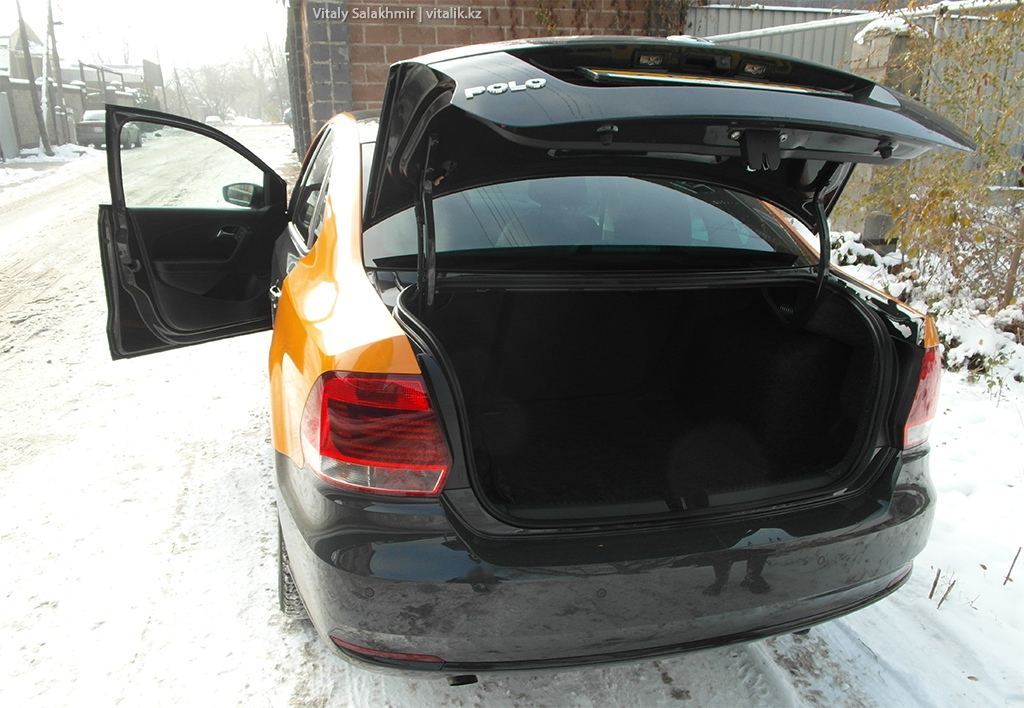 Багажник машины Anytime каршеринг в Алматы