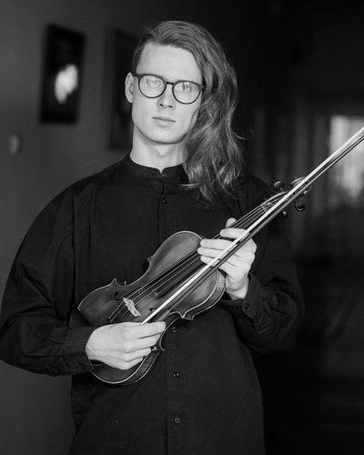 Владислав Дёмин