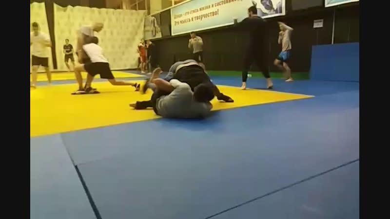 Учебно - тренировочный спарринг по вольной Абильтаров - Лятифов