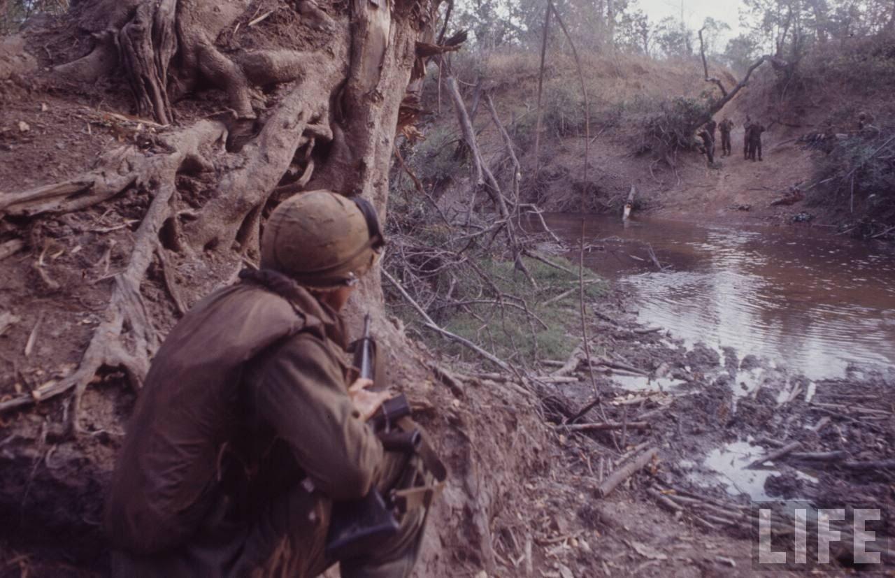 guerre du vietnam - Page 2 WGJ_E0OzY4g