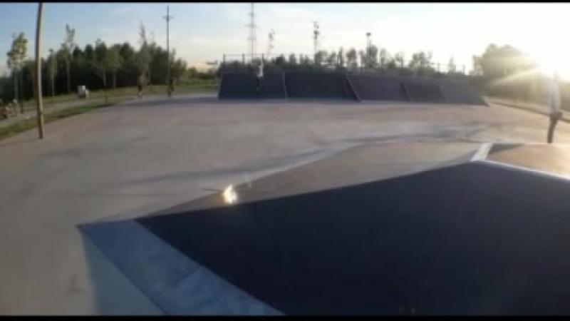 клепаю любимке скейт видосы)