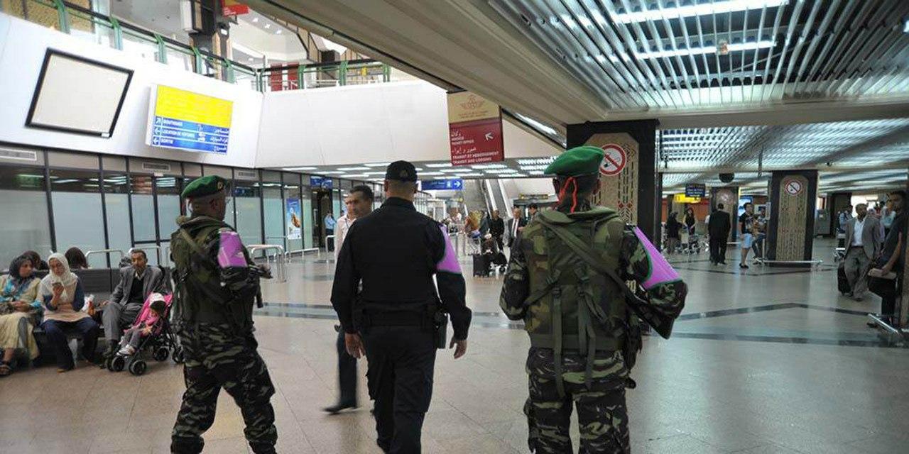 Photos de nos soldats et des Bases Marocaines - Page 2 RCKoOivbvPs