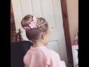 Красиво собрать волосы в пучок. Отличная причёска с косичкой для девочки.