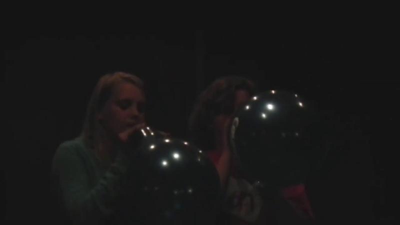 Blow to pop game girl vs girl balloon challenge