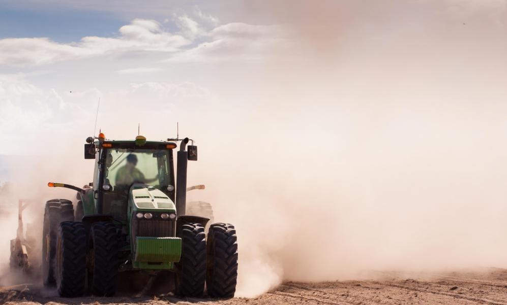 Тестирование полевой почвы помогает фермерам максимально использовать урожай.