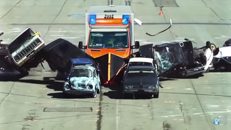 Krankenwagen bildet Rettungsgasse - Postillon24