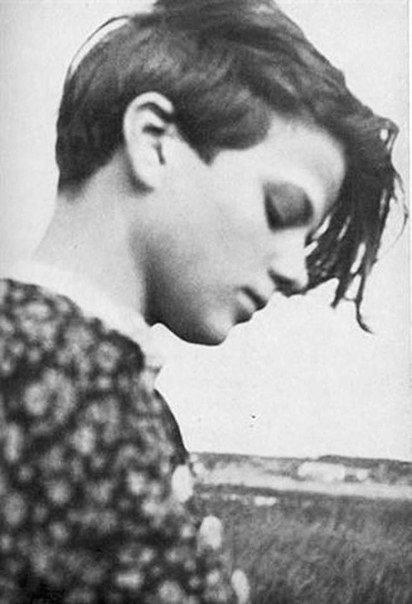 Портрет немки Софи Шолль, казненной в Германии в 1943 году за распространение антинацистских листовок