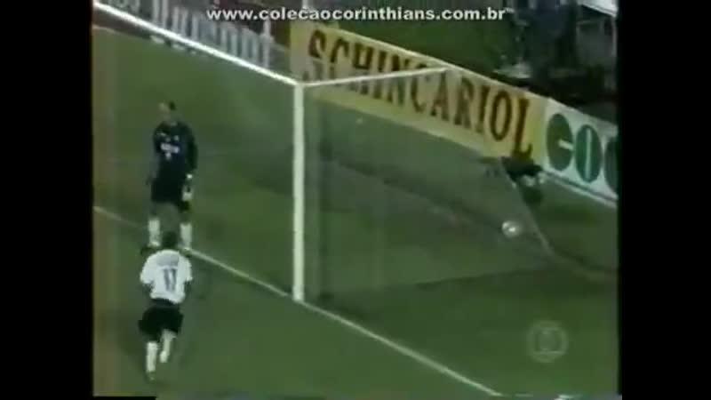 Há exatos 16 Anos o @Corinthians saía perdendo por 2x0 mas buscava o empate contra o Palmeiras