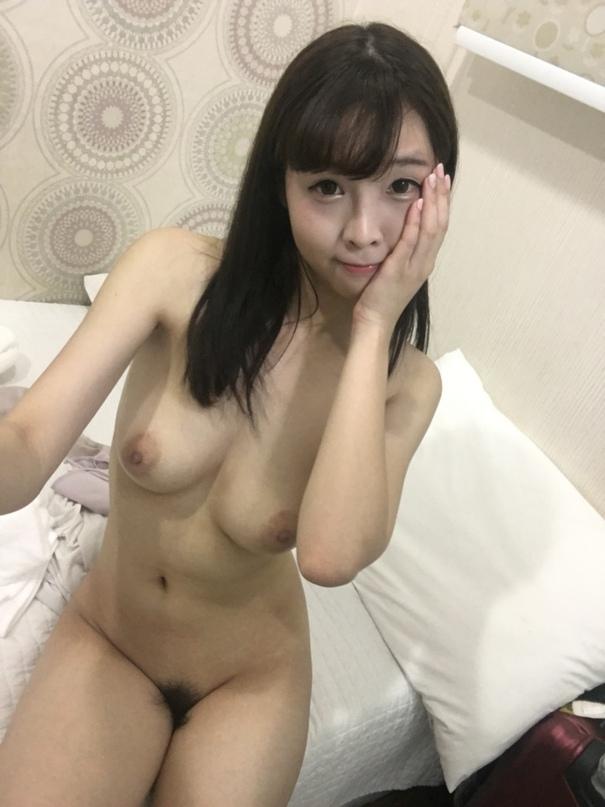 qNyYI38RAxM.jpg