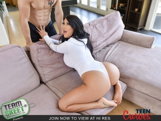 [TeenCurves] August Taylor - Thick Teen Gets The Dick Dream (18.08.2018) rq