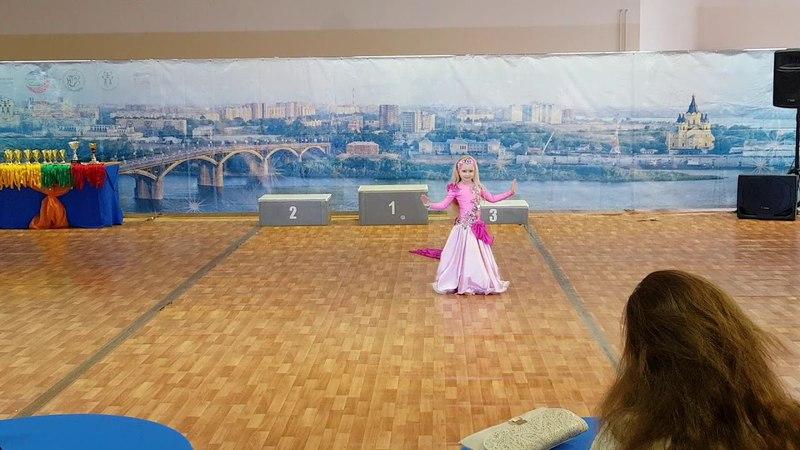 Oriental Самая милая и юная танцовщица ШСХ Zafira