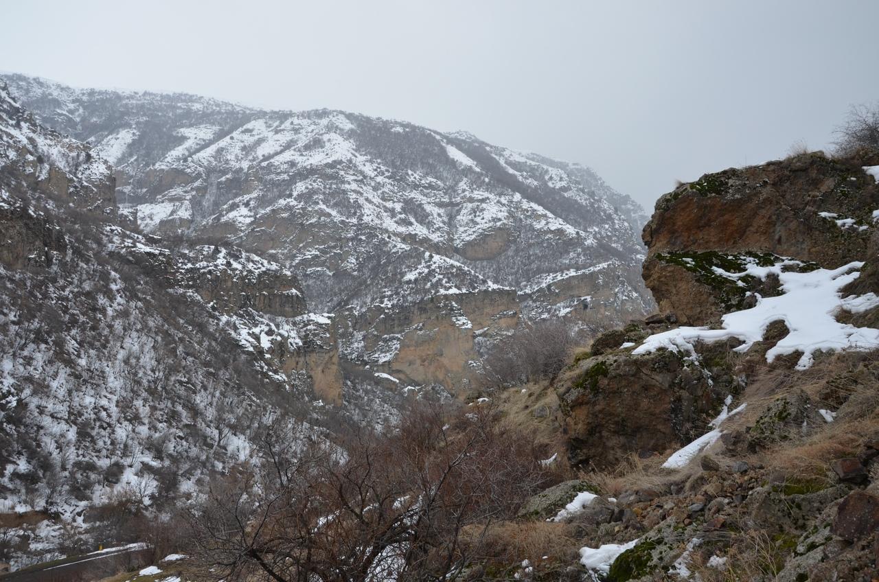 jbpaaGGKiZg Монастырь Гегард в Армении.