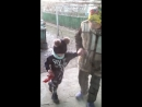 Про бабушка учит внука танцевать