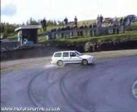 Ford Sierra Estate Cosworth Drifting