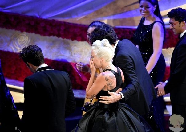Брэдли Купер и Леди Гага исполнили «Shallow» на церемонии Оскар