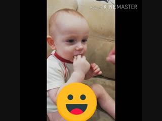 Сынок кушает макароны