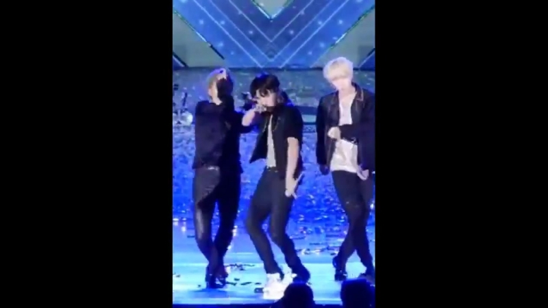 Enough proof why jung hoseok is the dance leader of bts