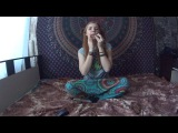 Девушка играет на варгане Транс