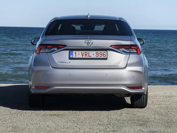 Новая Toyоta Corolla  тест «маленькой Camry».