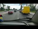 Культура водіння: як у Львові пропускають автомобіль швидкої допомоги