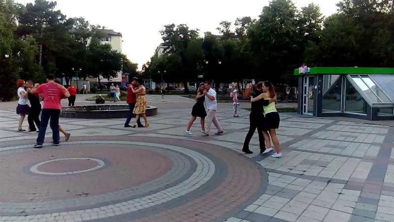 Танго в парке им. Тренева 29.06.18 2 часть