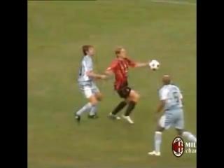 Третий гол Андрея Шевченко в Супер Кубке Италии против Лацио. 08/21/2004