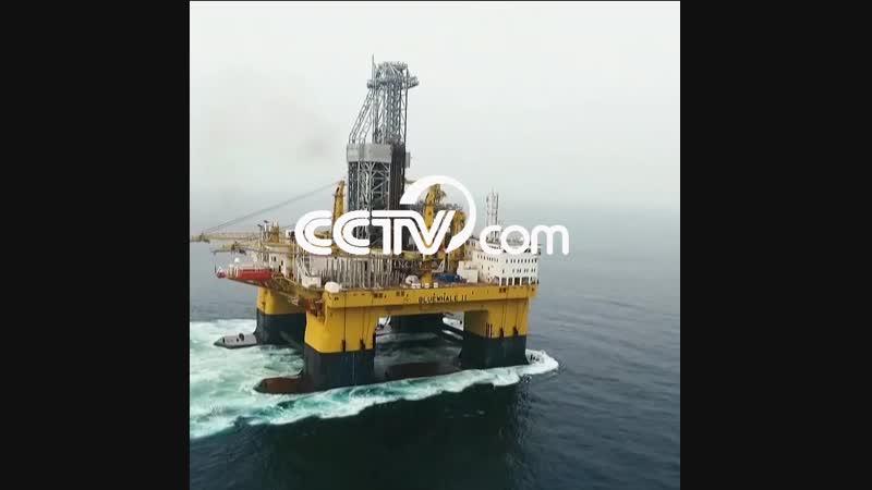 Китайская гигантская плавучая буровая платформа «Синий Кит»