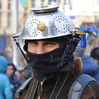 Нардепы пытаются освободить задержанных активистов из автозаков на ул. Шелковичной - Цензор.НЕТ 2292